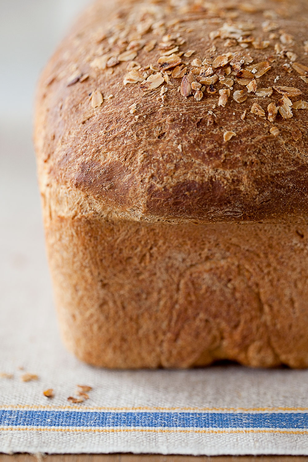 Oatmeal Sandwich Bread Recipe