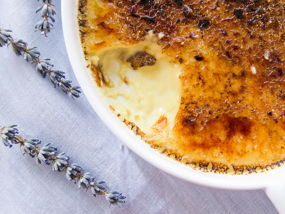 ... creme brulee - lavender - lavender creme brulee - Puddings and