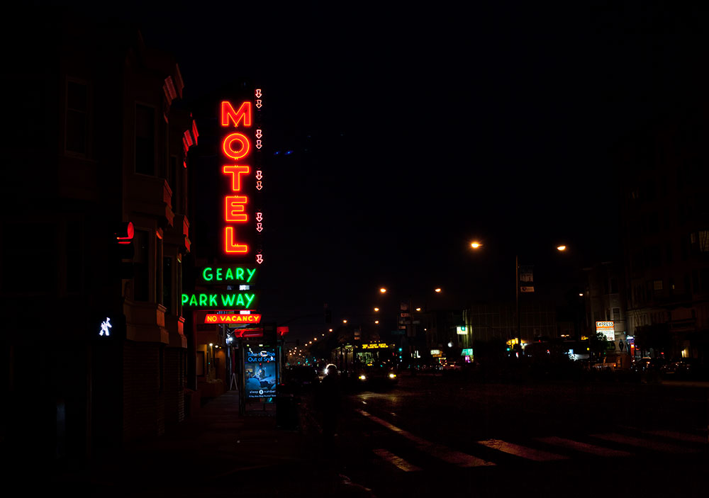 Geary Parkway Motel Neon sign - photo by Patrick Boury