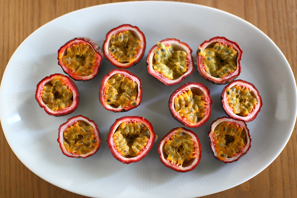 Passion Fruit Kesilmiş