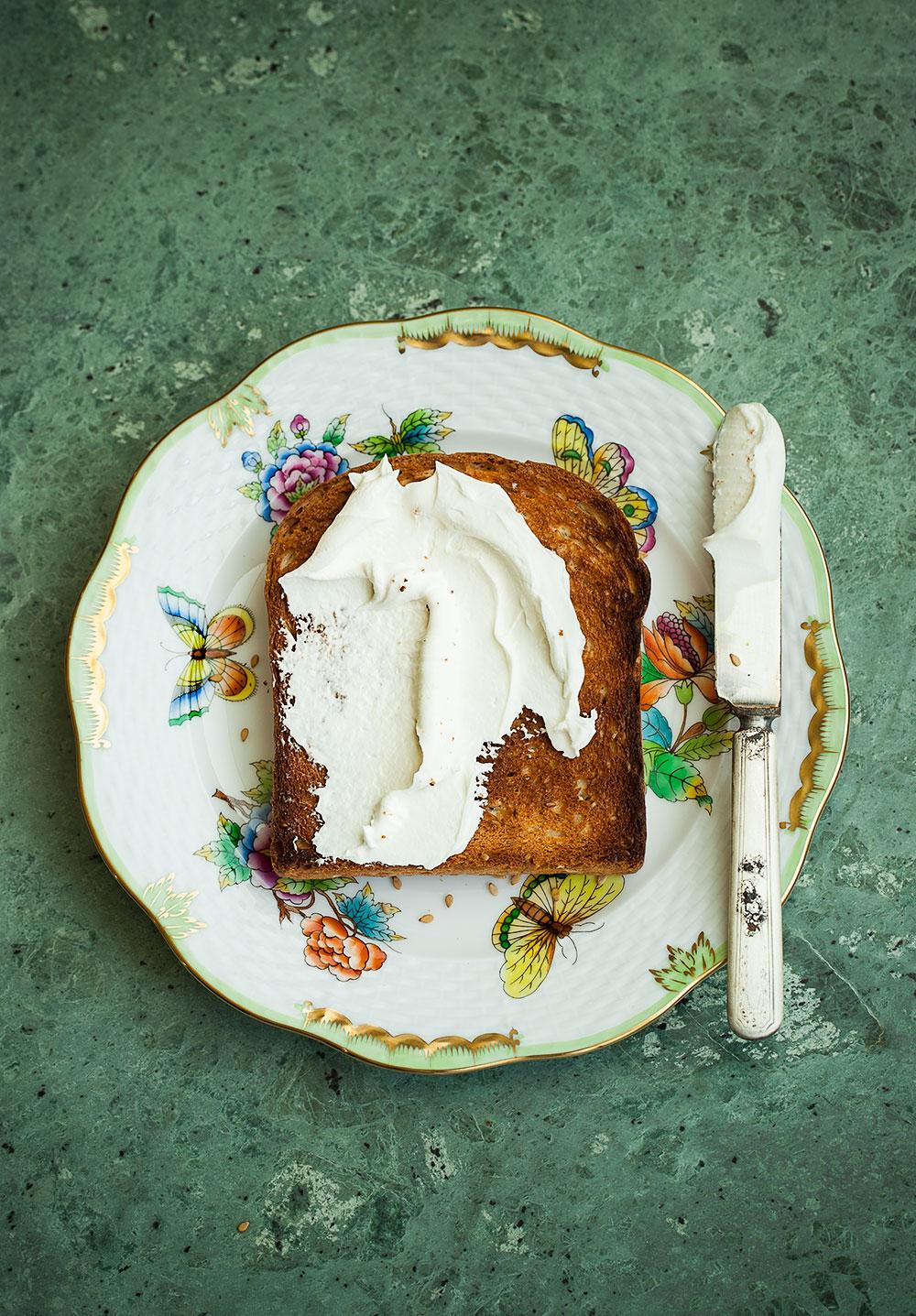 Susamlı Tost Ekmeği krem peynir